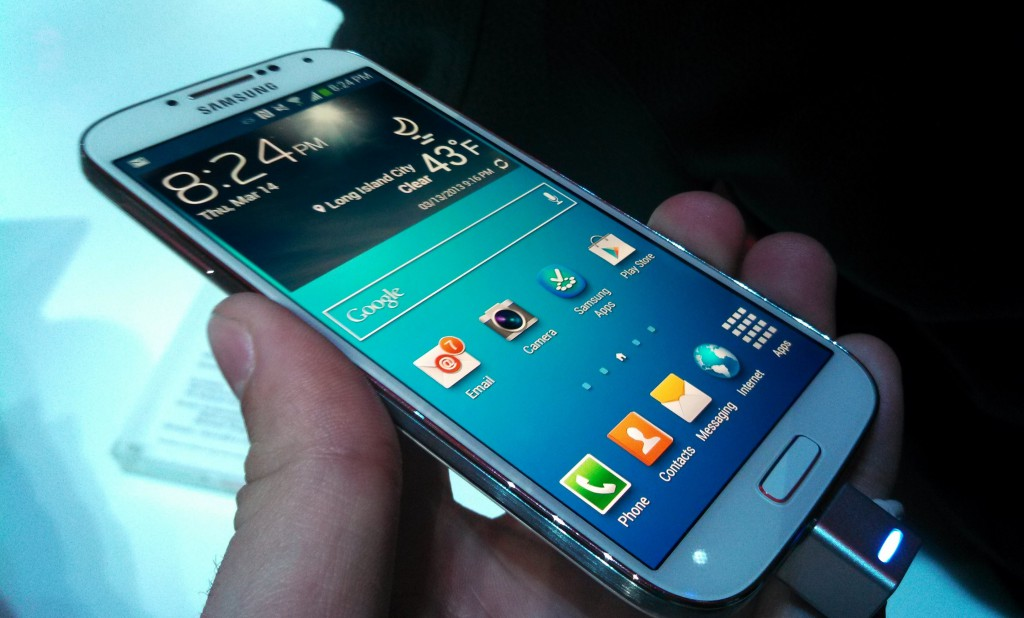 Samsung-Galaxy-S4-front-angled